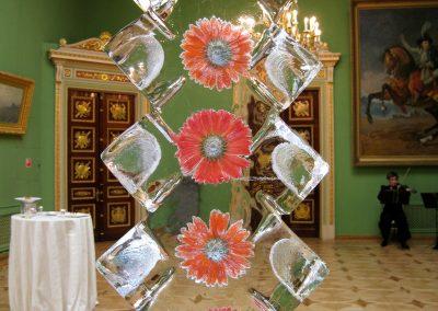 iceblockdisplay_flowers_rotating
