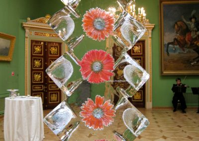 iceblockdisplay_flowers_rotating